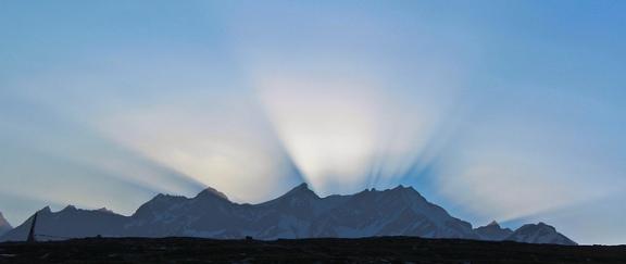 image: The first light at Rotang pass